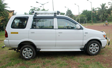 Tavera Taxi Amritsar